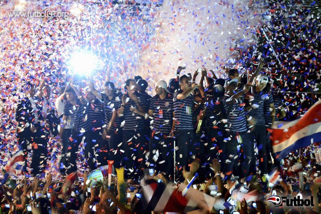 La Selección Nacional fue ovacionada por los miles de aficionados que acudieron a la Sabana hoy. Foto: cortesía K. Gómez