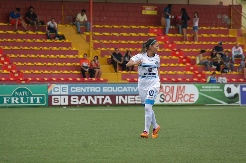 Yerly Rojas brilló nuevamente con tres tantos ante el Herediano Femenino. Foto cortesía ADM.