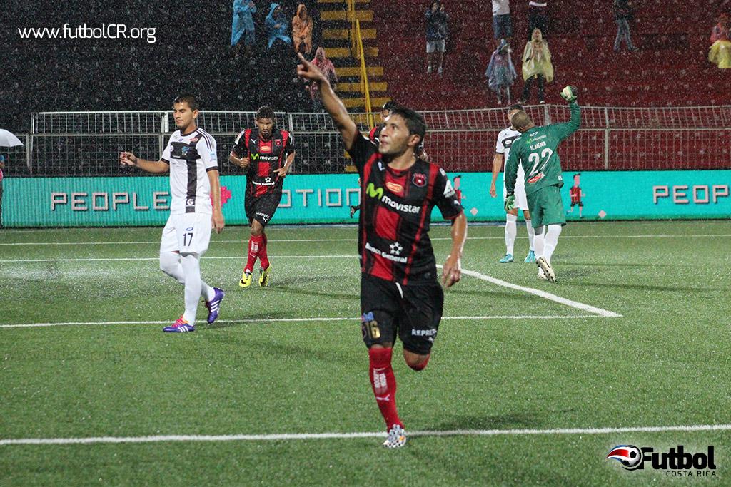 Allen Guevara marcó el primer gol del compromiso.