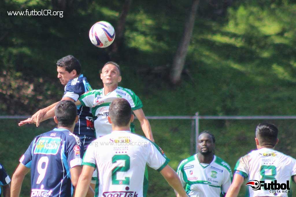 Limón FC cayó ante la UCR el pasado domingo pero ayer mostró una cara distinta a cargo de Ricardo Allen. Foto: Archivo.