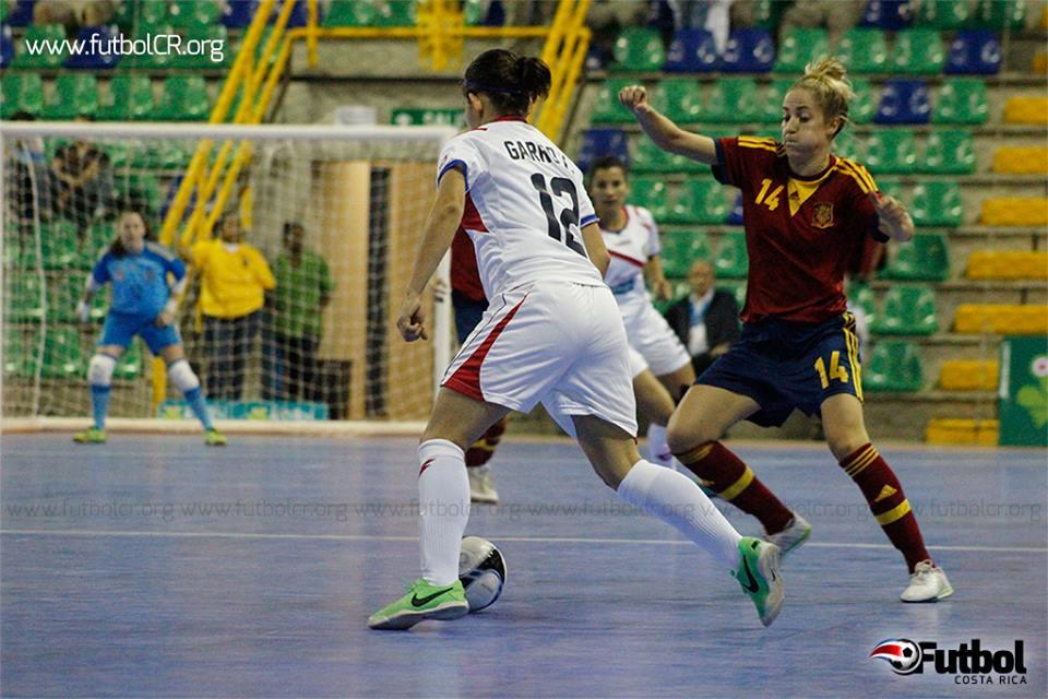 La sele en comparación con el partido anterior con las españolas mejoró varios aspectos de marca y velocidad, pero al final no dio resultado.