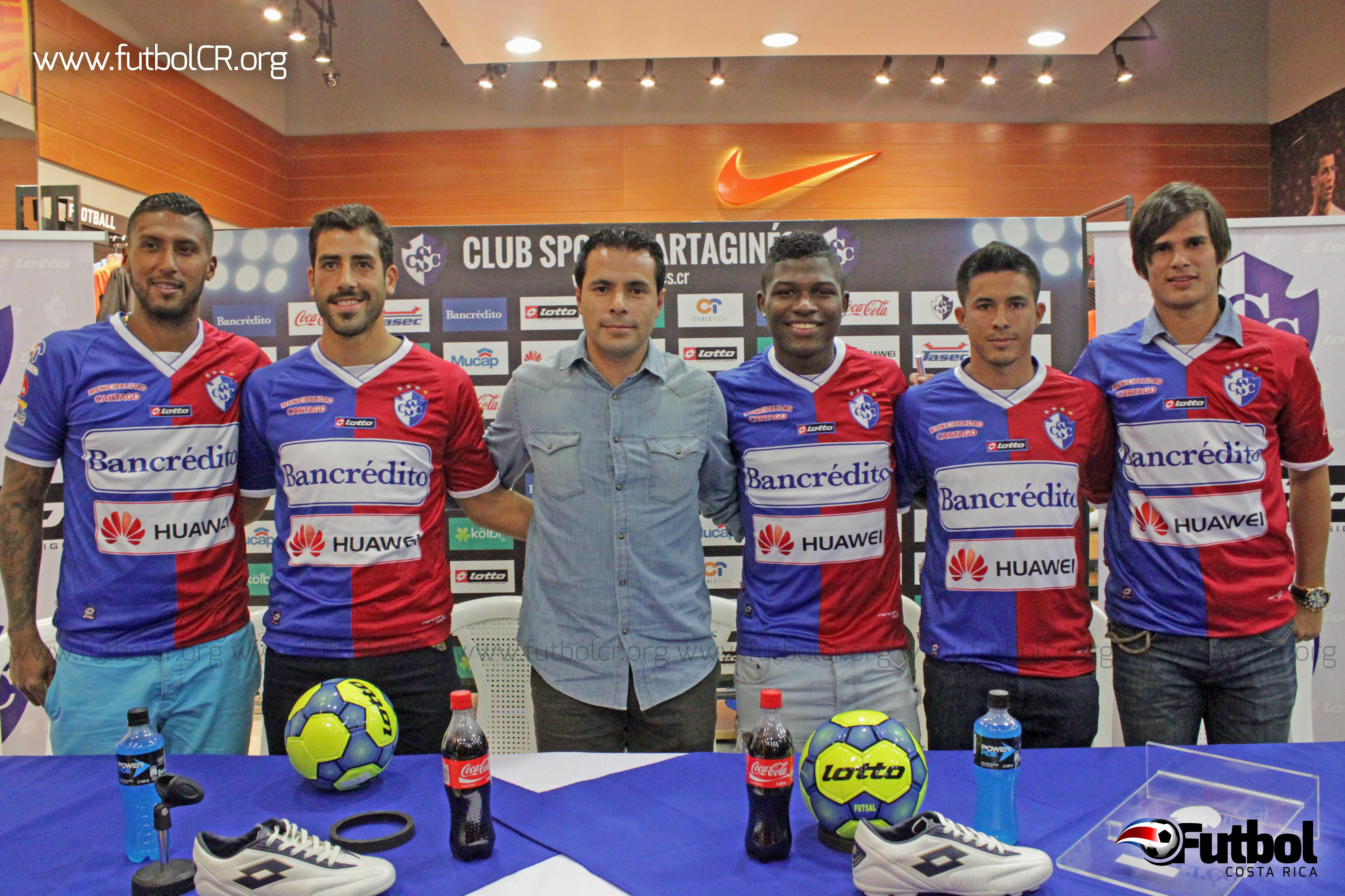 (De izquierda a derecha) Dario Delgado, Fabrizio Ronchetti, Enrique Meza, Willam Palacios, Michael Barquero y Carlos Hernández ya forman parte del Club Sport Cataginés oficialmente.  Fotografía de Robert Vindas para Futbol Costa Rica.