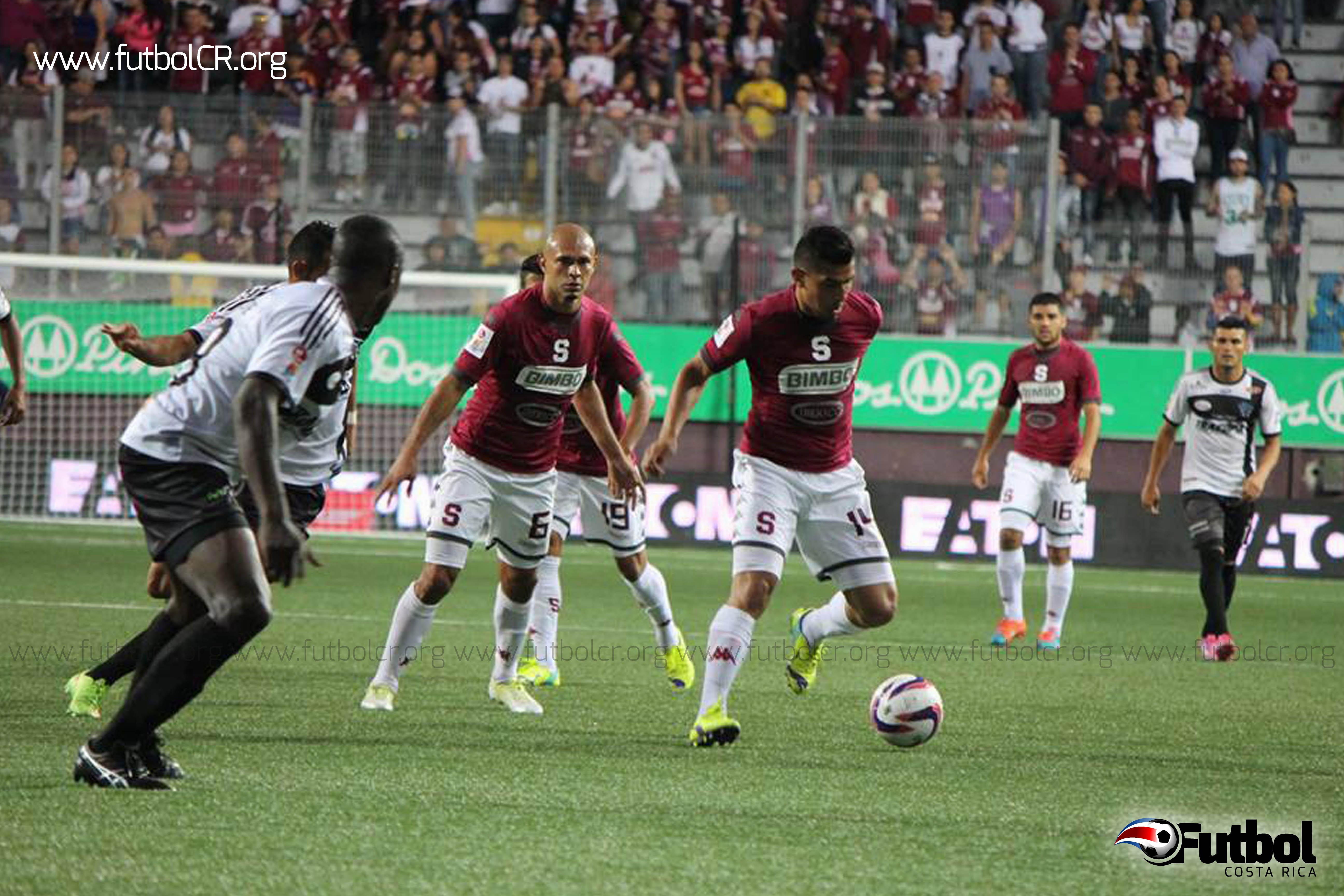 Ariel Rodríguez abrió la cuenta para los morados  y Heiner Mora señaló el empate. Foto: Imágenes SMC
