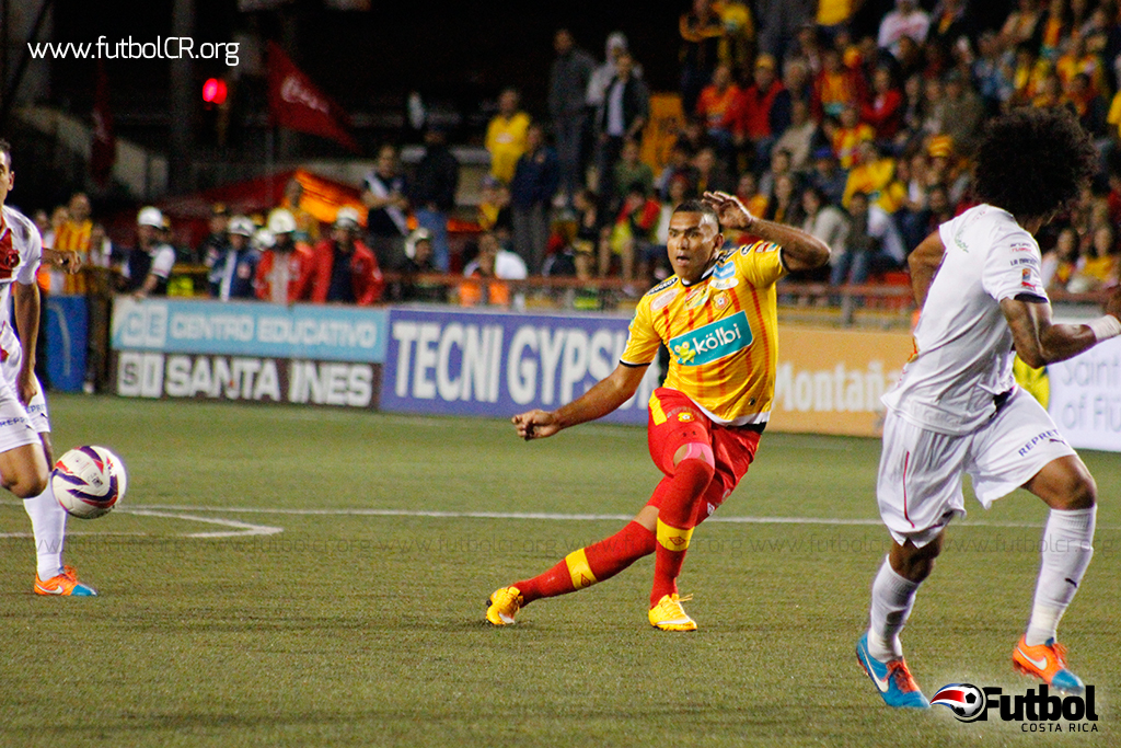 Una de las sorpresas que dio Herediano fue el debut de Cristian Lagos en el campeonato. Ingresó en el segundo tiempo por Gabriel Gómez.