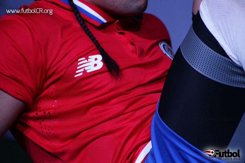 La marca New Balance estará con la tricolor hasta el Mundial Mayor Qatar 2022. Foto: Steban Castro
