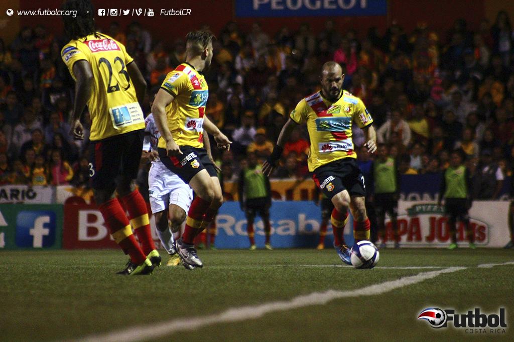 Esteban Ramírez fue determinante en la banda izquierda y generó valiosas oportunidades. Foto: Steban Castro