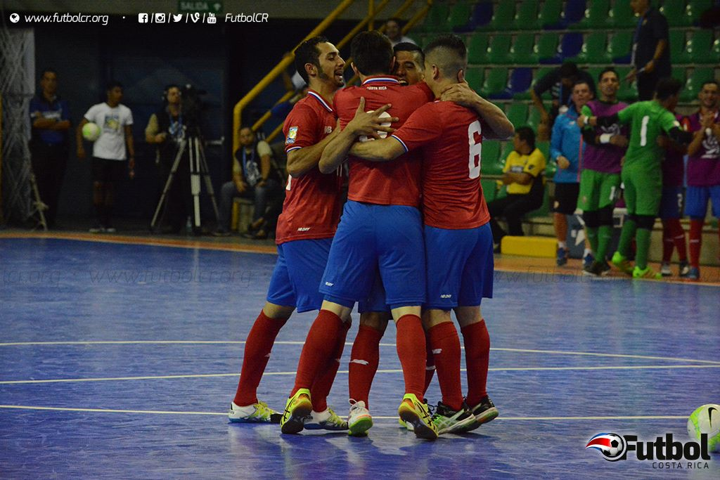 Trabajo cumplido. Aunque fueron solo tres goles, la tricolor no se cansó de buscar las opciones y poner en contra las cuerdas al rival. Foto: Adrian Escalante.