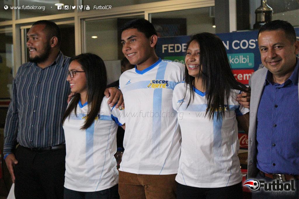 Coraje. Estos jóvenes encontraron en el fútbol un nuevo estilo de vida. Foto: Geovanny Segura