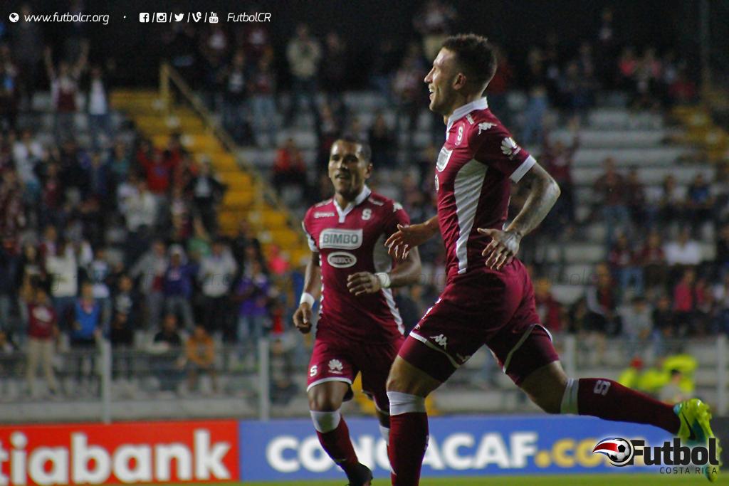 Francisco Calvo volvió a celebrar un gol luego de anotar de cabeza. Foto: Steban Castro.