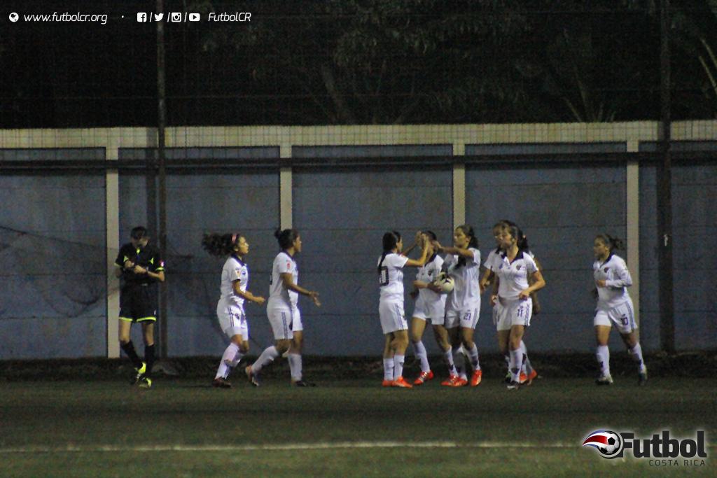 El júbilo llegó tarde en el juego para las locales, el empate fue definitivo. Foto: Steban Castro
