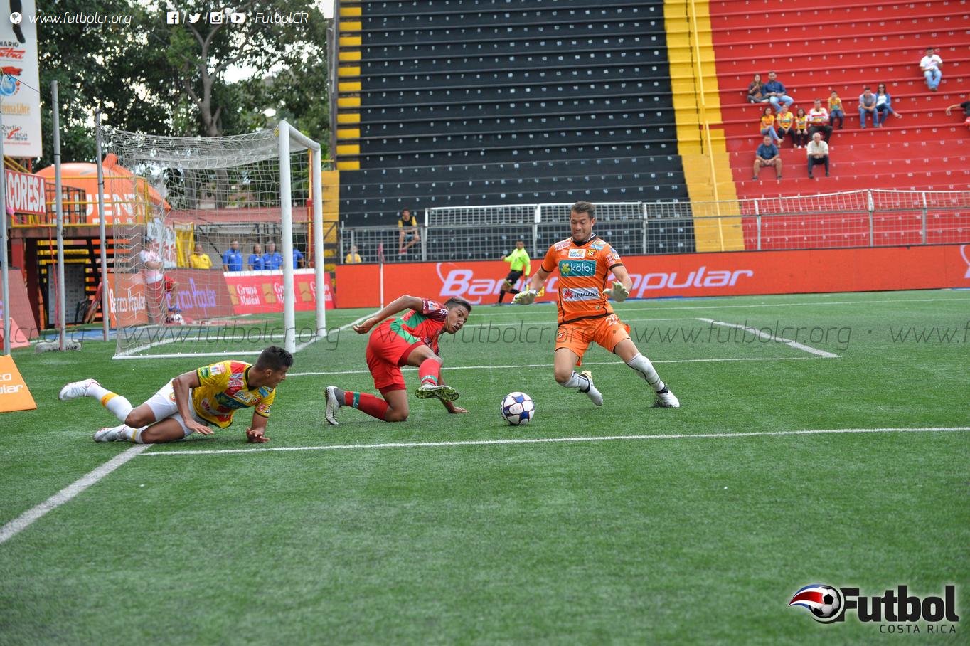 Daniel Cambronero tenía varios meses de no jugar con Herediano. Foto: Maripaz Quintana.